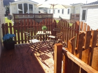 Side decking area
